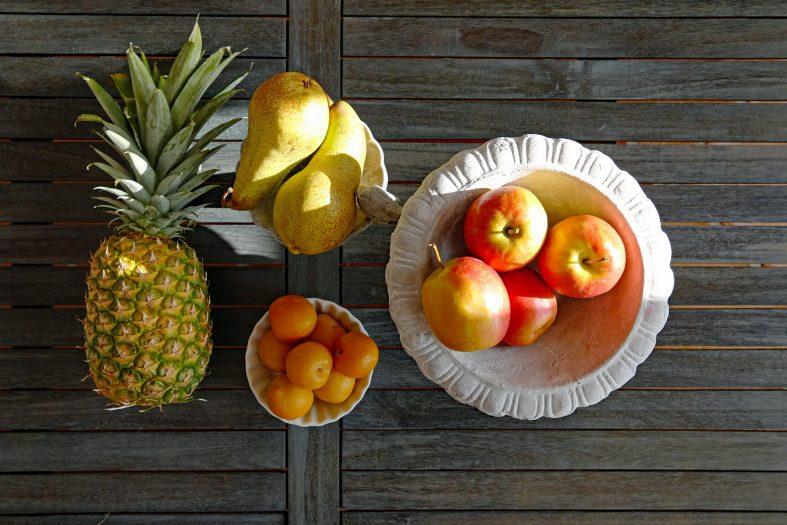 Apfel-Ananas-Smoothie mit Joghurt